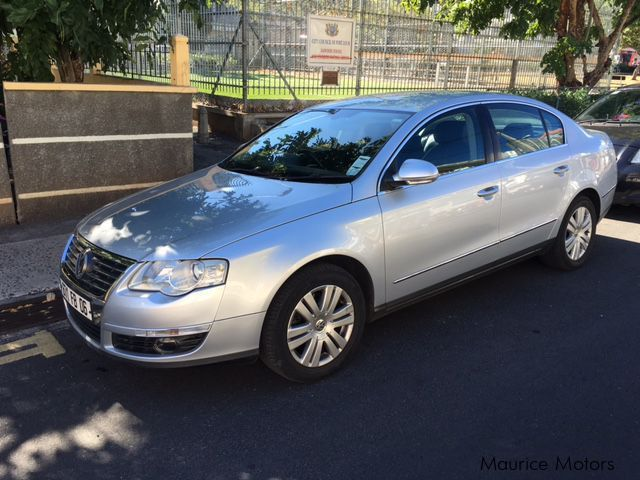 Pre-owned Volkswagen PASAT 1600CC FSI for sale in Mauritius