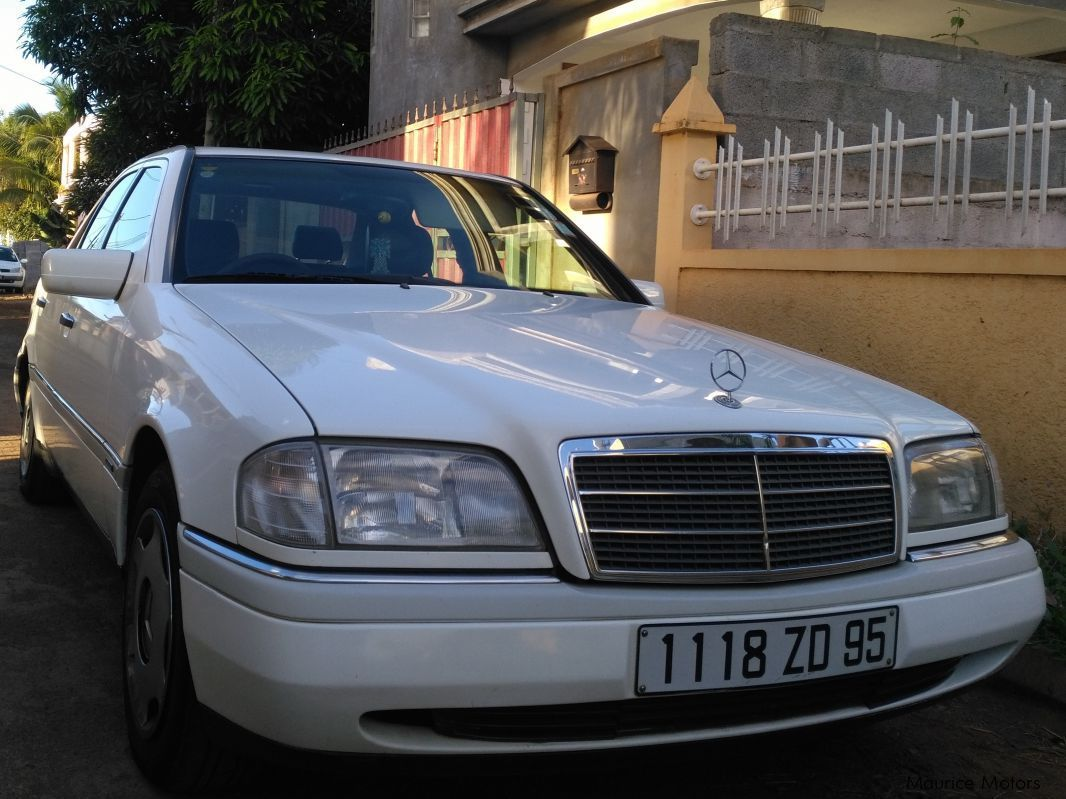 Pre-owned Mercedes-Benz C220 for sale in