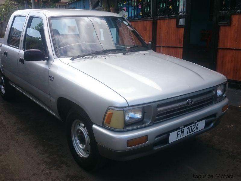 Used Toyota Hilux 4x2 for sale in