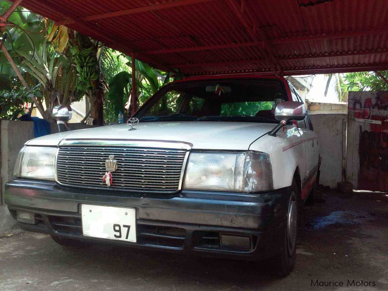 Pre-owned Toyota Crown Comfort for sale in Mauritius