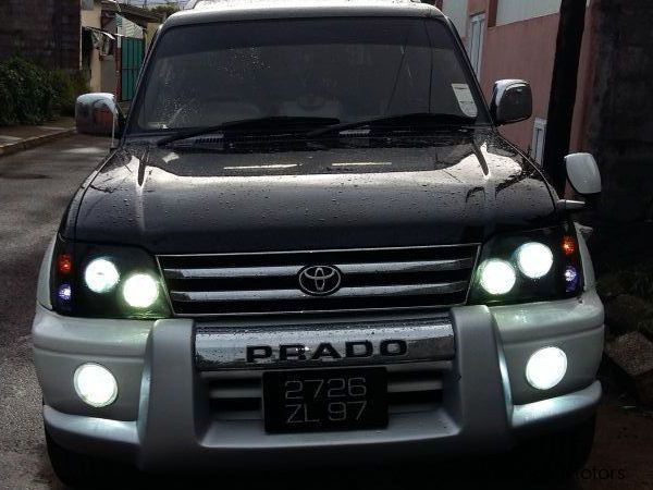 Pre-owned Toyota LAND CRUISER TX for sale in Mauritius