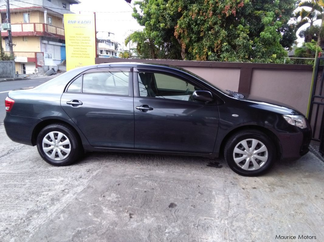 Pre-owned Toyota platz for sale in