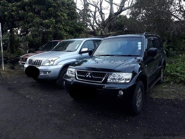 Pre-owned Mitsubishi PAJERO GLS for sale in