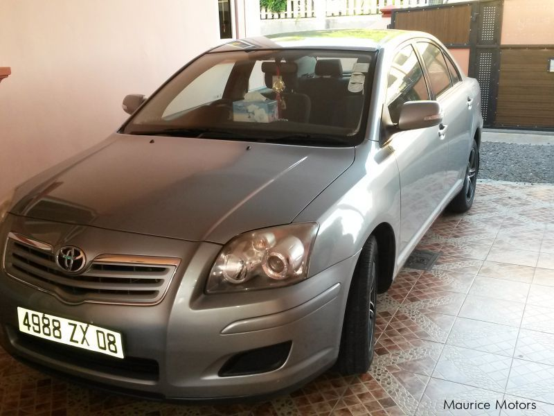 Pre-owned Toyota Avensis for sale in Mauritius