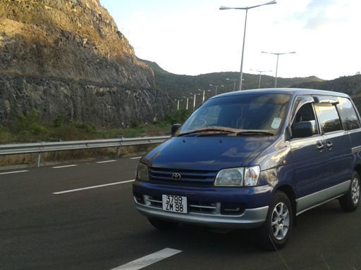 Used Toyota TOWNACE NOAH for sale in Mauritius