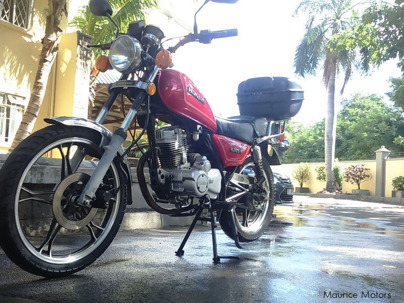 Pre-owned Hyosung Hj125 for sale in Mauritius