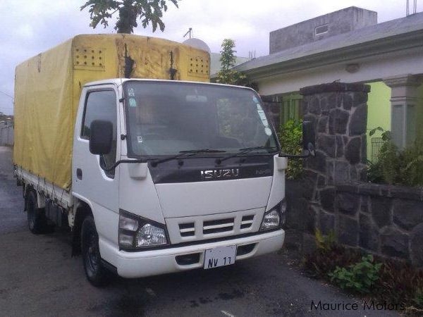 Pre-owned Isuzu NHR55 for sale in