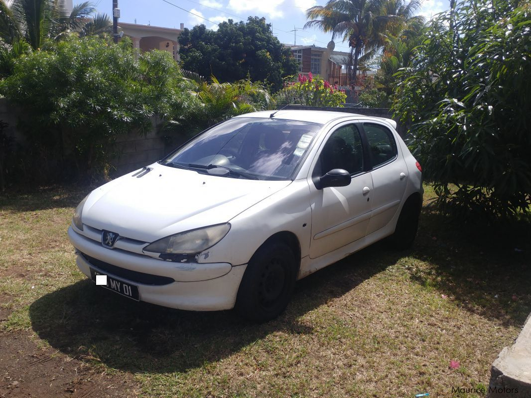 Pre-owned Peugeot 206 XR for sale in