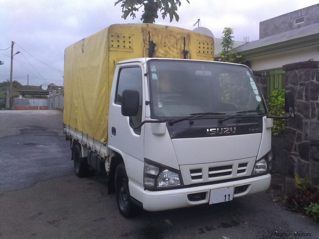 Pre-owned Isuzu NHR55 - Call on 57596664 for sale in