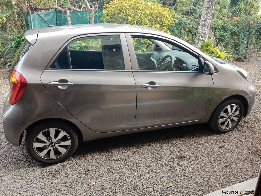 Used Toyota NZE X for sale in Mauritius