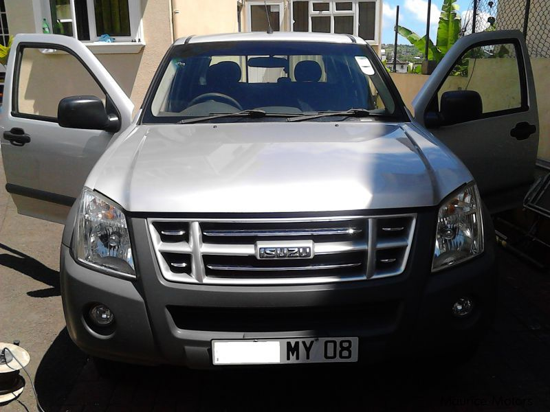 Pre-owned Isuzu KB 250 4x2 for sale in Mauritius
