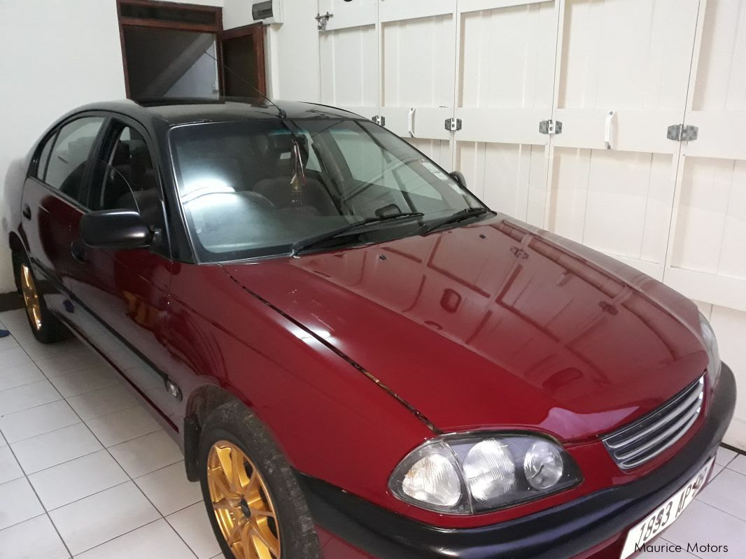 Pre-owned Toyota Avensis Model AT 220 for sale in