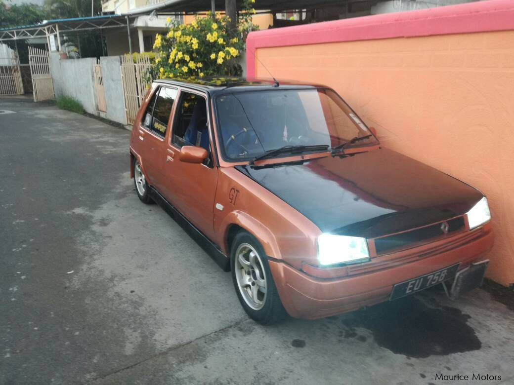 Pre-owned Renault R5 for sale in