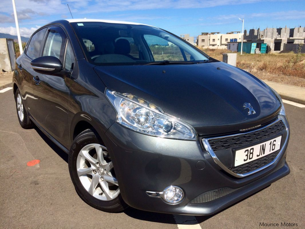 Pre-owned Peugeot 208 1.4 eHDi Active for sale in