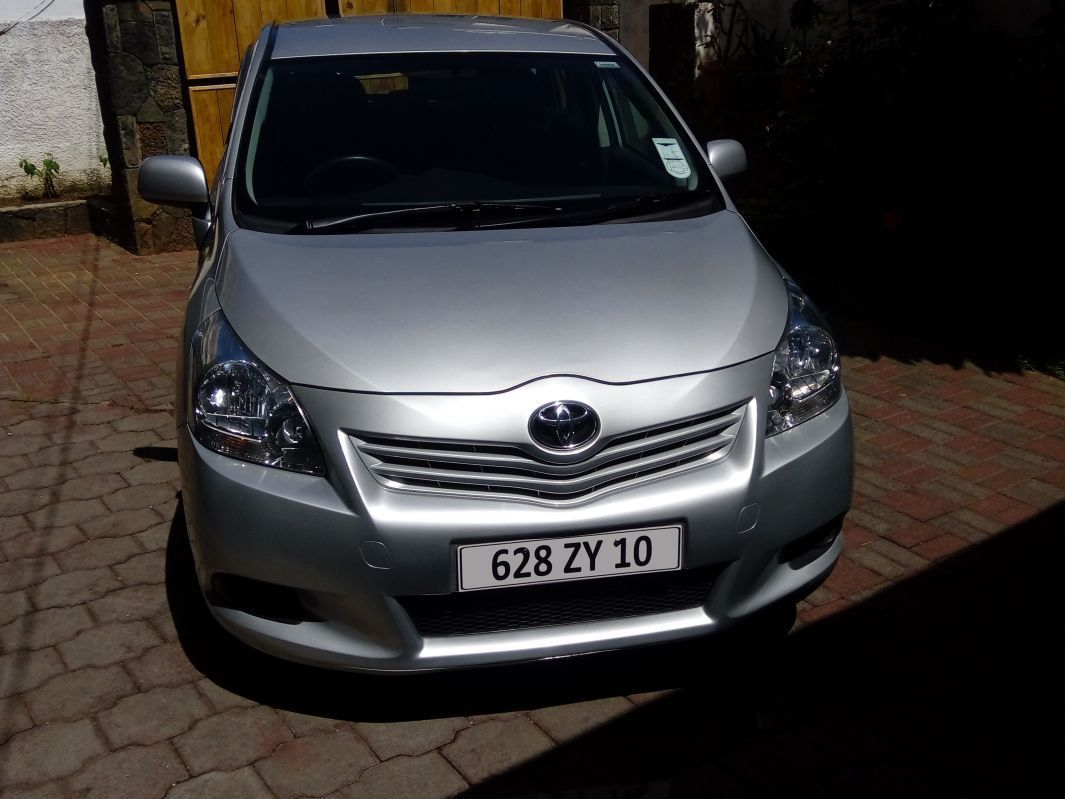 Pre-owned Toyota Verso for sale in