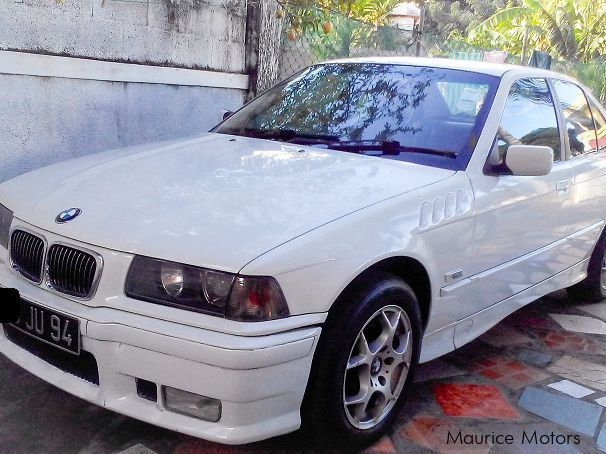 Pre-owned BMW 318i E36 for sale in Mauritius