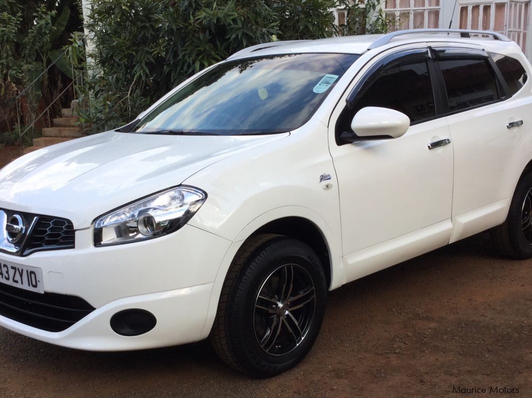 Pre-owned Nissan Qashqai + 2 for sale in