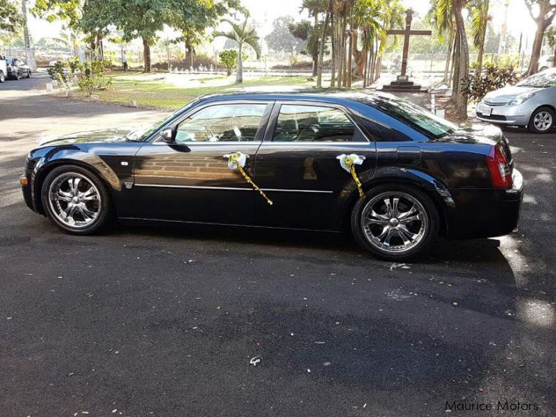 Pre-owned Chrysler 300C for sale in Mauritius