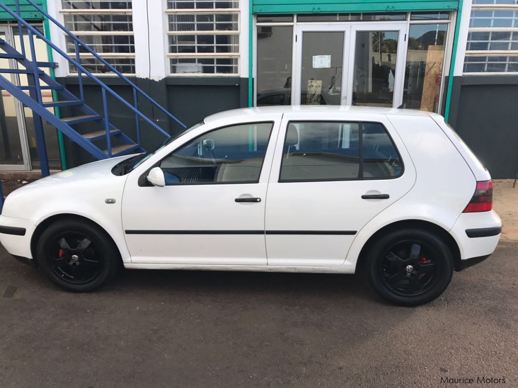 Pre-owned Volkswagen Golf IV for sale in