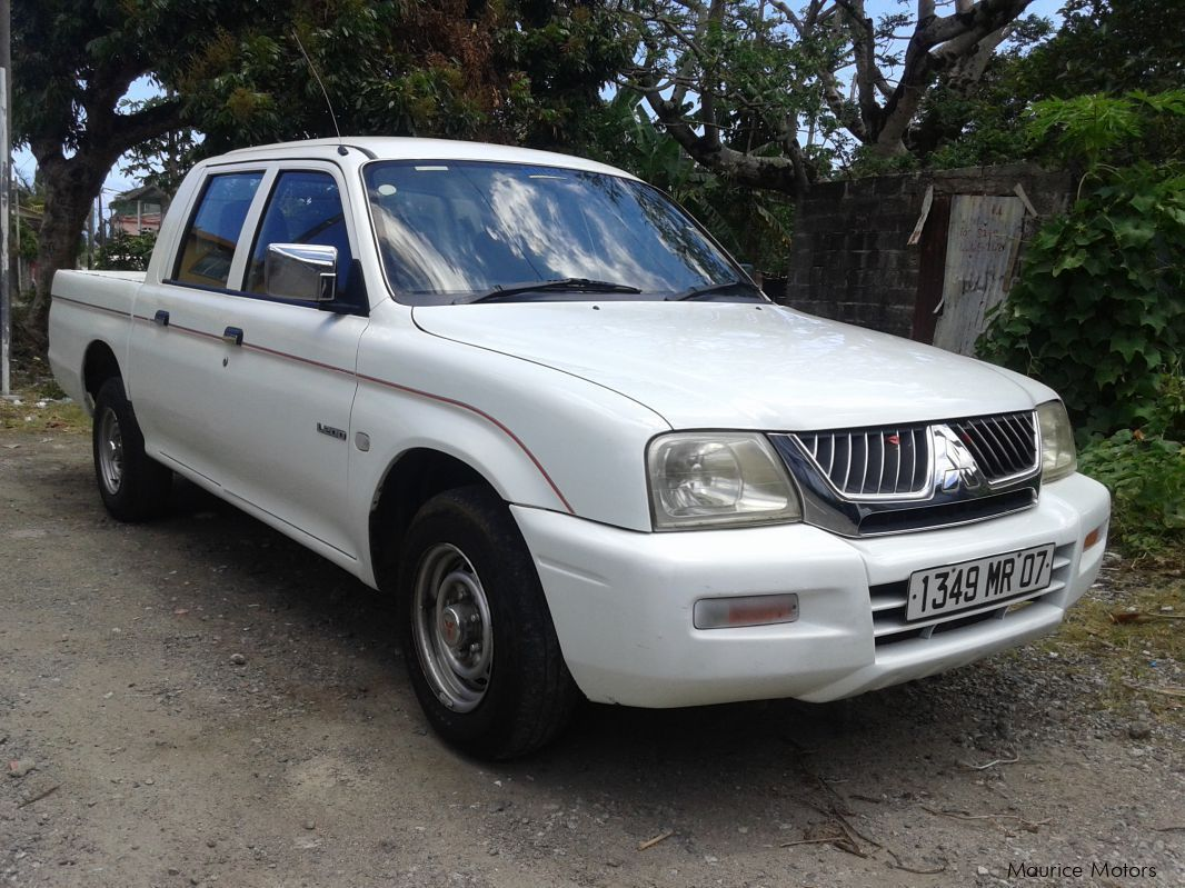 Pre-owned Mitsubishi l200 2/4 for sale in