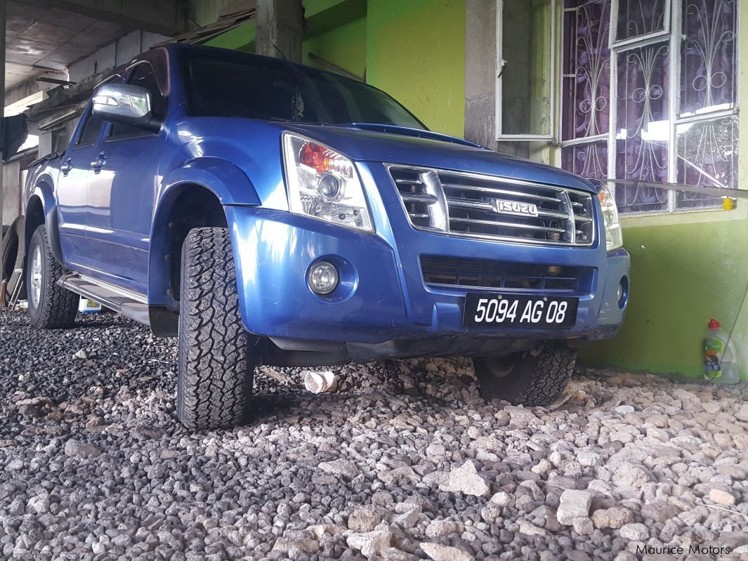 Pre-owned Isuzu kb 300 for sale in