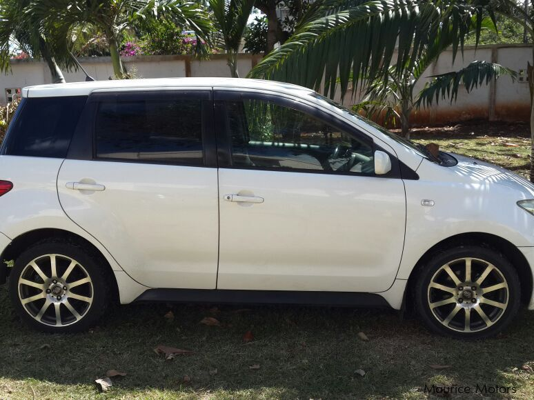 Pre-owned Toyota IST for sale in Mauritius