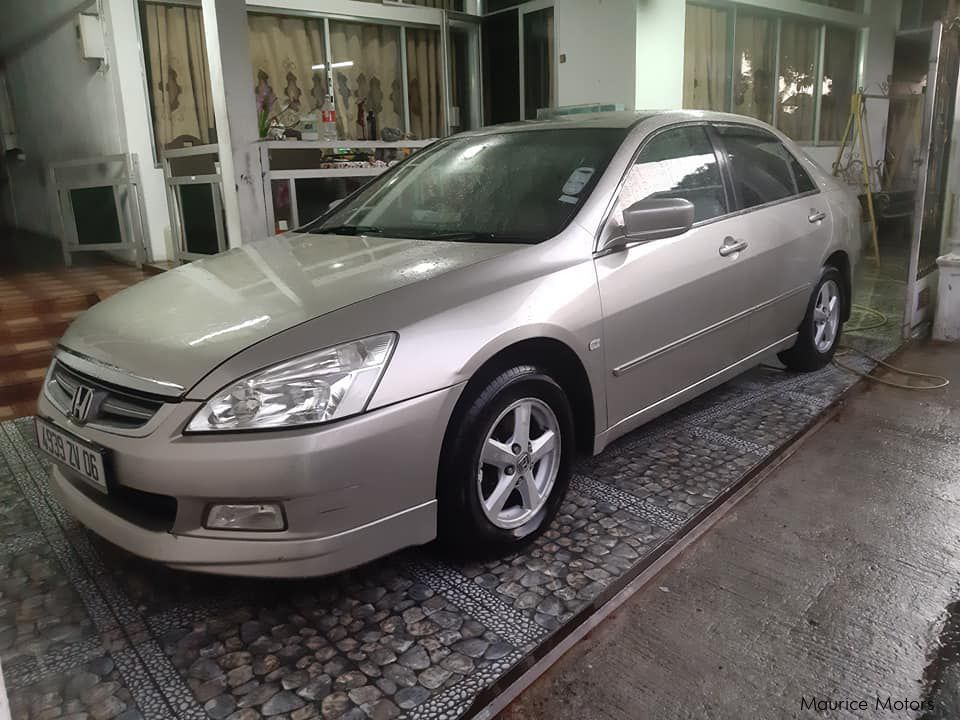 Pre-owned Honda Civic 1.8 exi local for sale in Mauritius