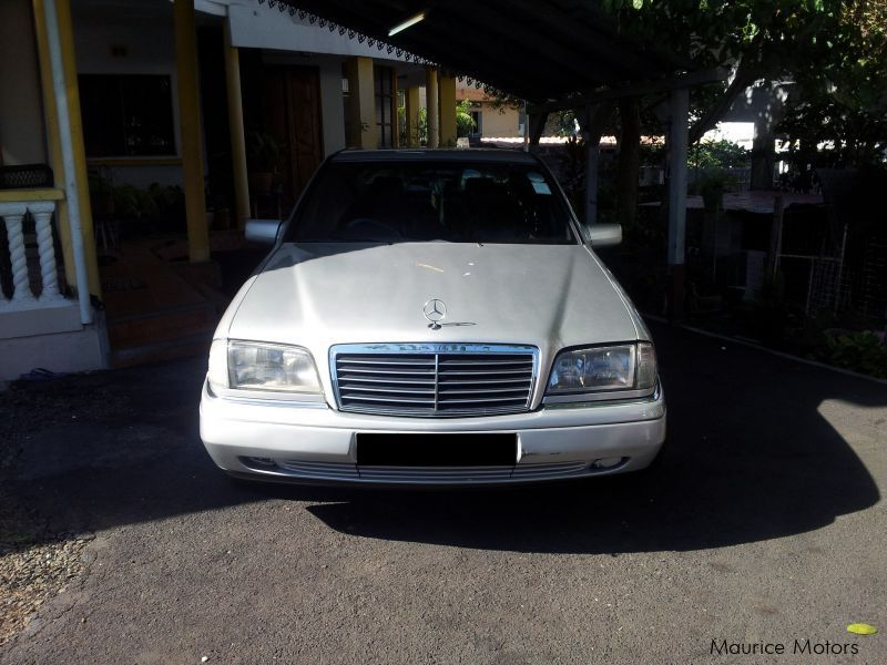 Used Mercedes-Benz W202 - C180 for sale in Mauritius