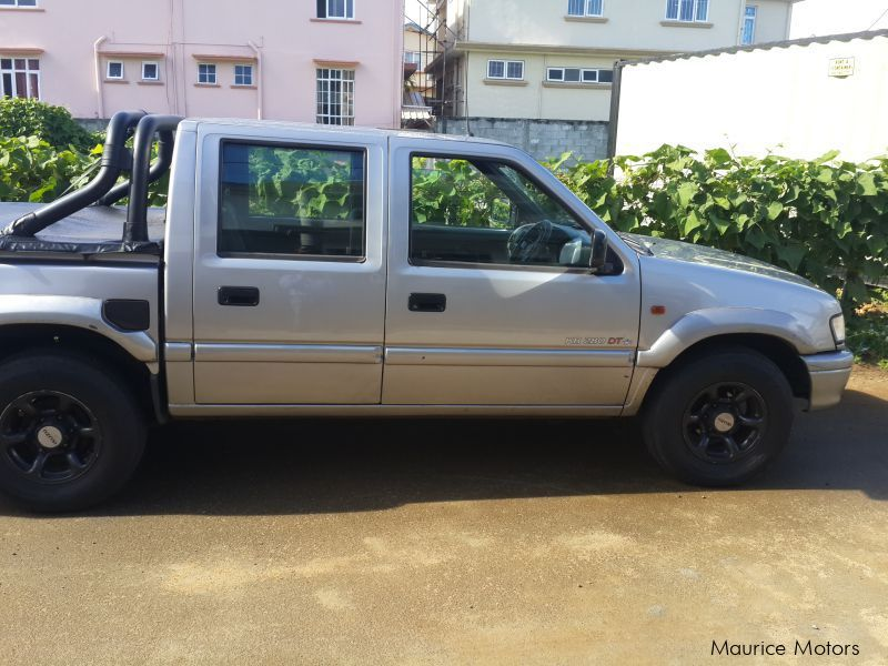 Pre-owned Isuzu kb 280 turbo for sale in Mauritius