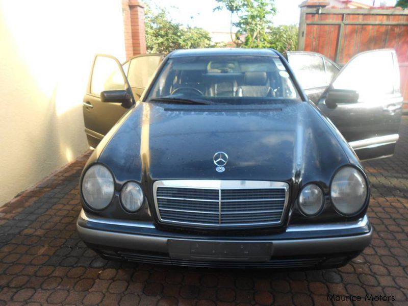 Used Mercedes-Benz E230 ELEGANCE for sale in Mauritius