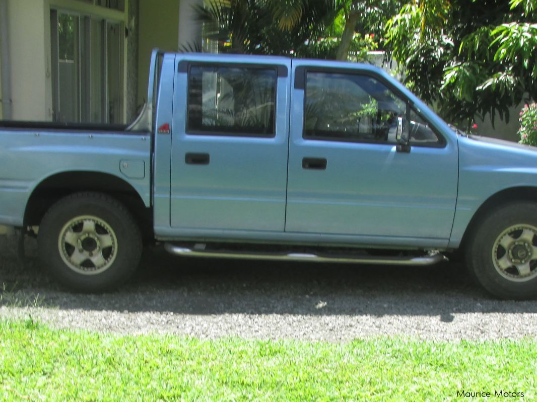 Pre-owned Isuzu Rodeo for sale in