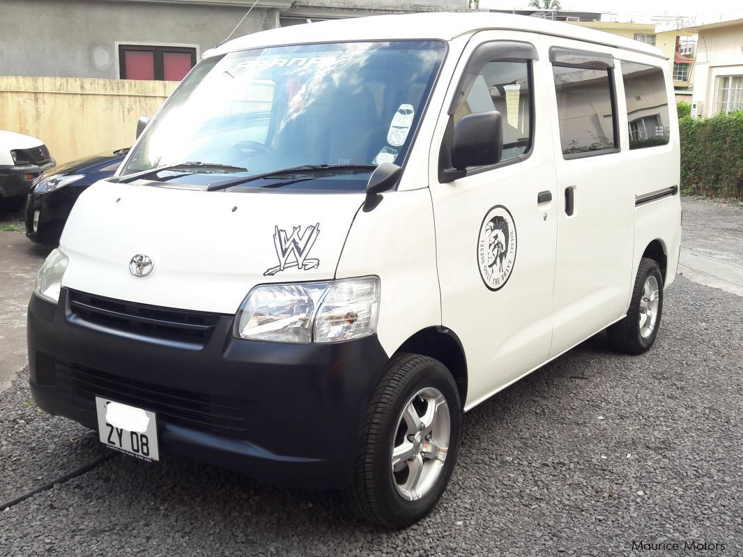 Pre-owned Toyota Liteace DX for sale in