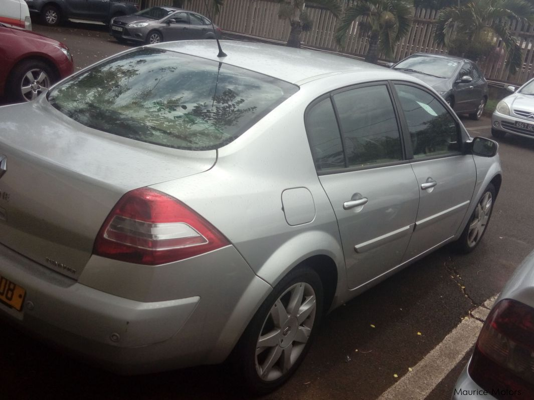 Pre-owned Renault Renault Megane Saloon for sale in